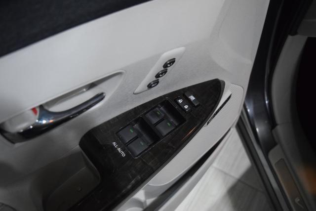 2013 Toyota Venza 4dr Wgn V6 AWD XLE Richmond Hill, New York 12