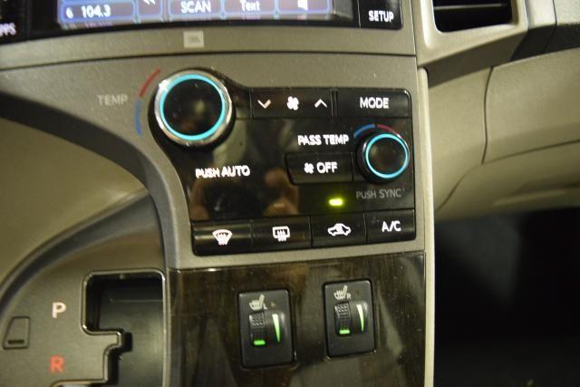 2013 Toyota Venza 4dr Wgn V6 AWD XLE Richmond Hill, New York 17