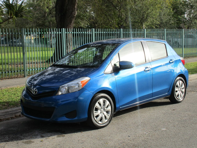 2013 Toyota Yaris L  VIN JTDKTUD34DD558900 53k miles  AMFM CD Player AC Power Locks Tilt