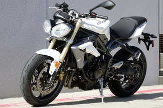 2013 Triumph Street Triple ABS * 1-OWNER * ONLY 880 MILES *Pearl White Plano, Texas 1
