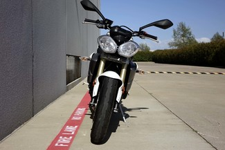 2013 Triumph Street Triple ABS * 1-OWNER * ONLY 880 MILES *Pearl White Plano, Texas 32