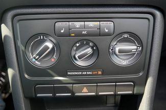 2013 Volkswagen Beetle Convertible 2.0T w/Sound/Nav Hialeah, Florida 20