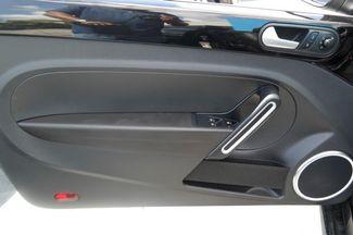 2013 Volkswagen Beetle Convertible 2.0T w/Sound/Nav Hialeah, Florida 9