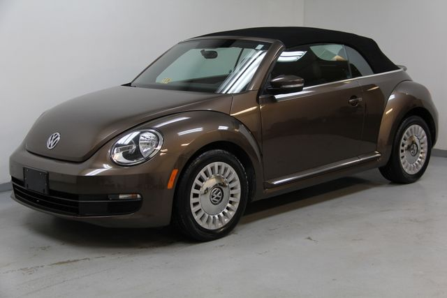 2013 Volkswagen Beetle Convertible 2.5L w/Tech Richmond, Virginia 1