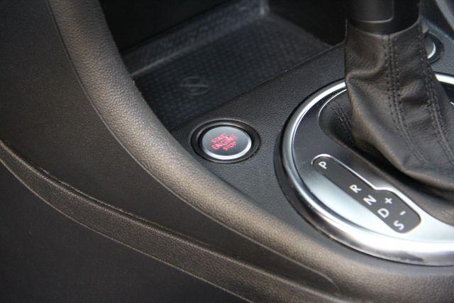 2013 Volkswagen Beetle Convertible 2.5L w/Tech Richmond, Virginia 8