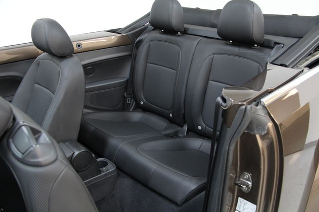 2013 Volkswagen Beetle Convertible 2.5L w/Tech Richmond, Virginia 10