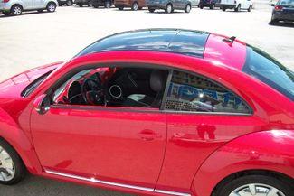2013 Volkswagen Beetle Coupe 2.5L w/Sun/Sound/Nav Bentleyville, Pennsylvania 7