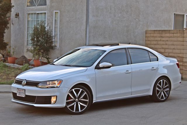 2013 Volkswagen GLI AUTOBAHN 6-SPEED MANUAL 64K MLS LEATHER SUNROOF ALLOY WHLS SERVICE RECORDS Woodland Hills, CA 1