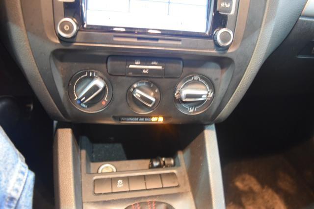 2013 Volkswagen GLI 4dr Sdn DSG PZEV Richmond Hill, New York 12