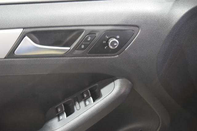 2013 Volkswagen GLI 4dr Sdn DSG PZEV Richmond Hill, New York 8