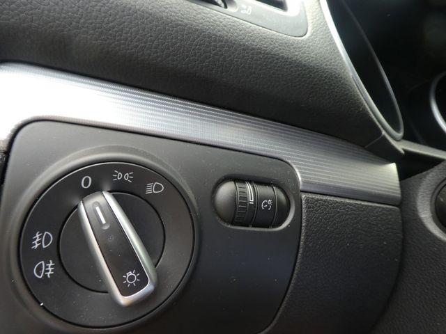 2013 Volkswagen Golf R w/Sunroof & Navi Leesburg, Virginia 22