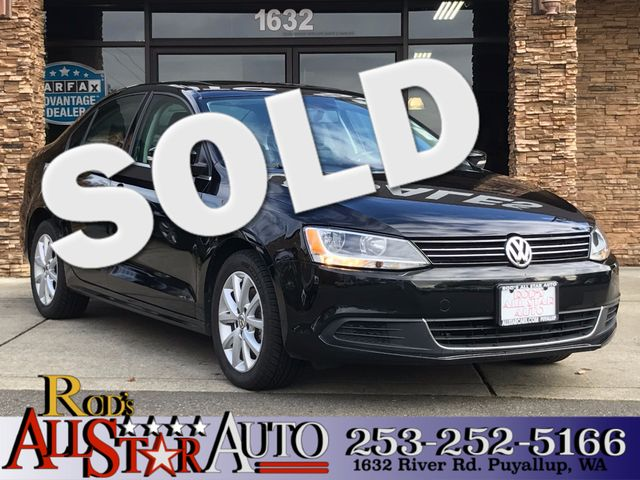 2013 Volkswagen Jetta SE wConvenienceSunroof The CARFAX Buy Back Guarantee that comes with this