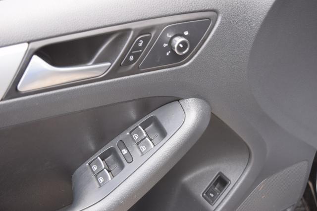2013 Volkswagen Jetta SE w/Convenience Richmond Hill, New York 10