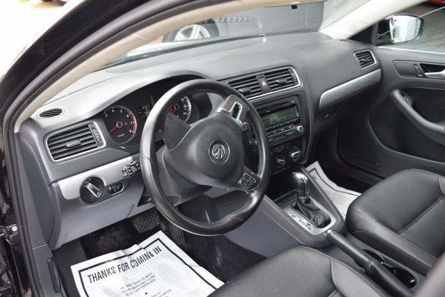2013 Volkswagen Jetta SE w/Convenience Richmond Hill, New York 11