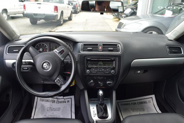 2013 Volkswagen Jetta SE w/Convenience Richmond Hill, New York 8