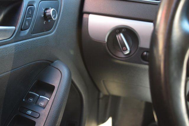 2013 Volkswagen Jetta SE w/Convenience/Sunroof Richmond Hill, New York 28