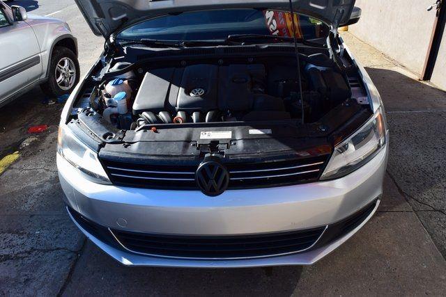 2013 Volkswagen Jetta SE w/Convenience/Sunroof Richmond Hill, New York 3
