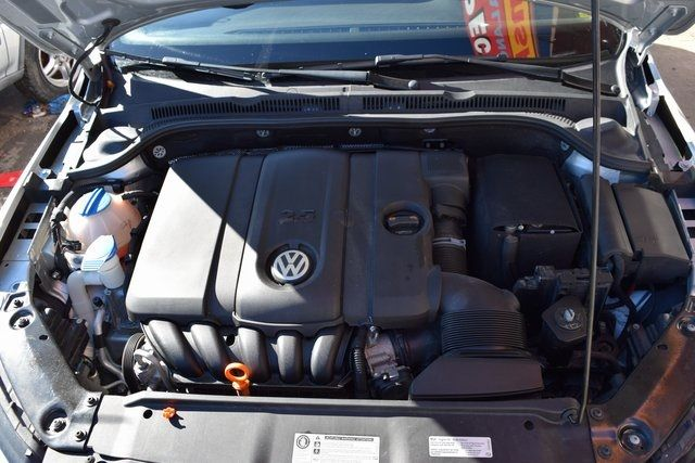 2013 Volkswagen Jetta SE w/Convenience/Sunroof Richmond Hill, New York 4