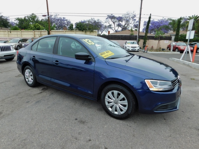 2013 Volkswagen Jetta S Limited warranty included to assure your worry-free purchase AutoCheck re