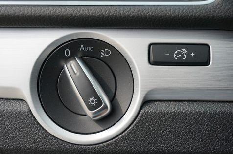 2013 Volkswagen Passat **INCLUDES 2 YRS FREE MAINTENANCE** SE w/Sunroof - CARFAX 1-Owner! | Lewisville, Texas | Castle Hills Motors in Lewisville, Texas