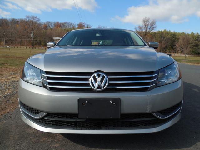 2013 Volkswagen Passat SE w/Sunroof Leesburg, Virginia 6