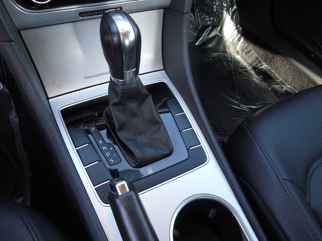 2013 Volkswagen Passat SE w/Sunroof Leesburg, Virginia 27