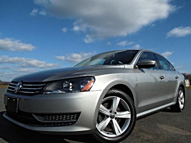 2013 Volkswagen Passat SE w/Sunroof Leesburg, Virginia 0