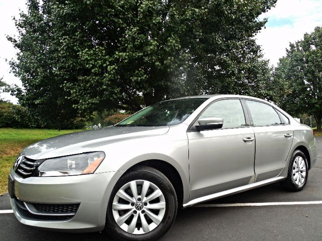 2013 Volkswagen Passat S w/Appearance Leesburg, Virginia 1