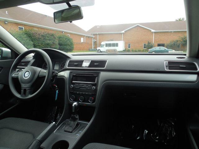 2013 Volkswagen Passat S w/Appearance Leesburg, Virginia 13