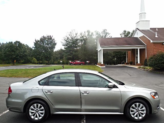 2013 Volkswagen Passat S w/Appearance Leesburg, Virginia 5