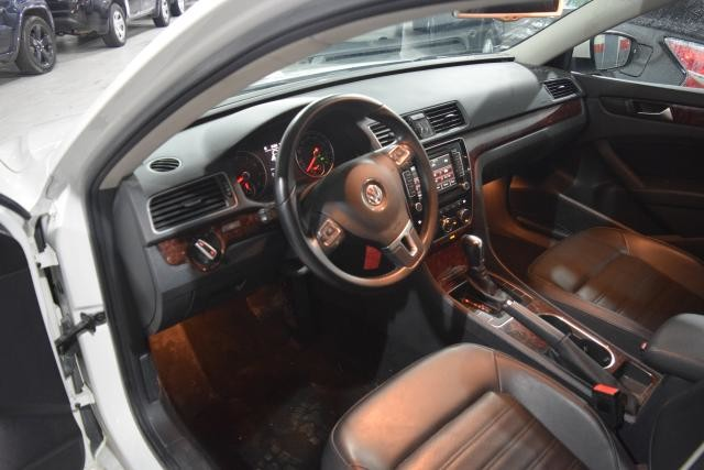 2013 Volkswagen Passat SEL Richmond Hill, New York 10