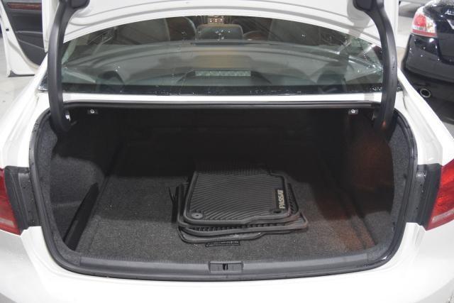 2013 Volkswagen Passat SEL Richmond Hill, New York 14