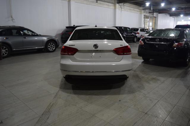 2013 Volkswagen Passat SEL Richmond Hill, New York 3