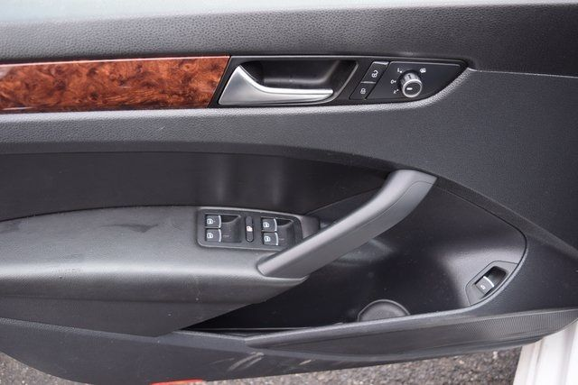 2013 Volkswagen Passat SEL Richmond Hill, New York 25