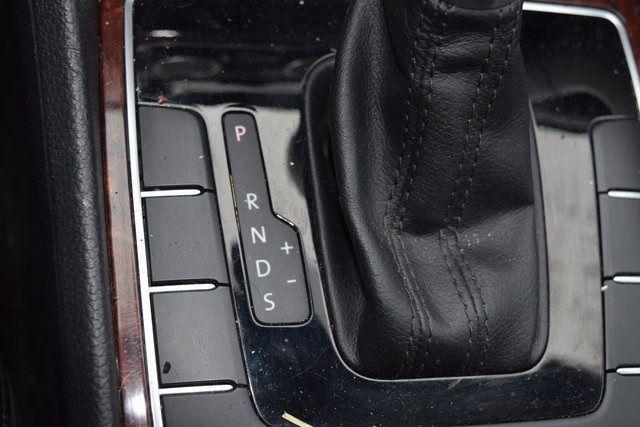 2013 Volkswagen Passat SEL Richmond Hill, New York 37