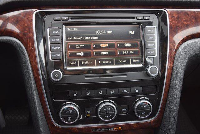 2013 Volkswagen Passat SEL Richmond Hill, New York 38