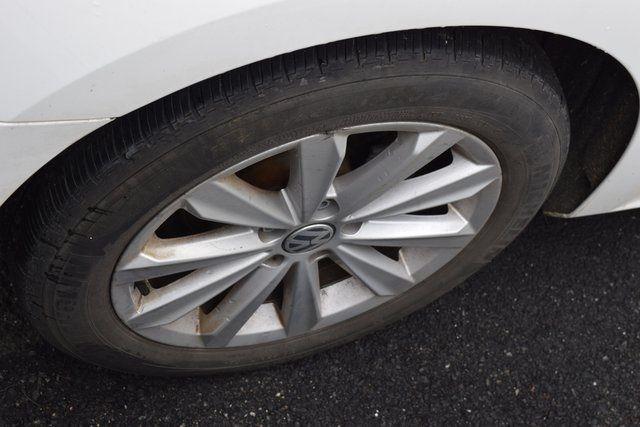 2013 Volkswagen Passat SEL Richmond Hill, New York 9