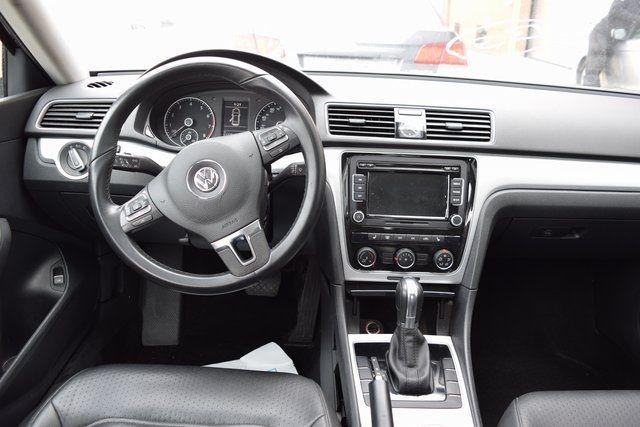 2013 Volkswagen Passat SE w/Sunroof Richmond Hill, New York 10