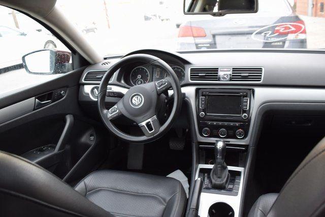 2013 Volkswagen Passat SE w/Sunroof Richmond Hill, New York 15