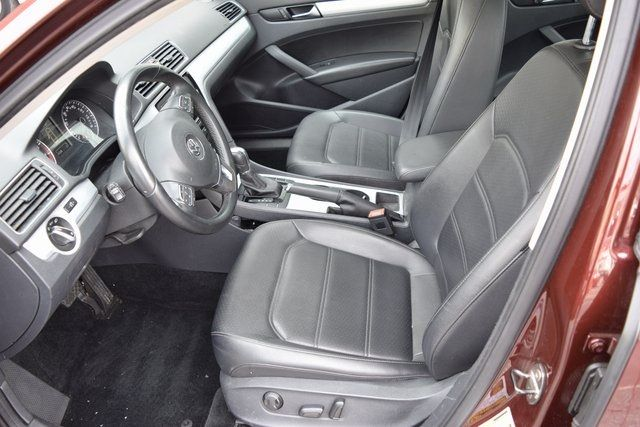2013 Volkswagen Passat SE w/Sunroof Richmond Hill, New York 17