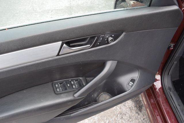 2013 Volkswagen Passat SE w/Sunroof Richmond Hill, New York 18