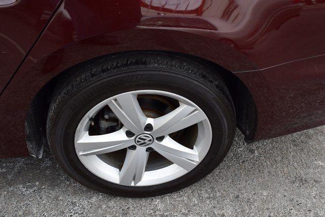 2013 Volkswagen Passat SE w/Sunroof Richmond Hill, New York 28
