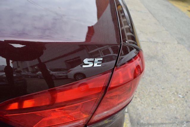 2013 Volkswagen Passat SE w/Sunroof Richmond Hill, New York 4