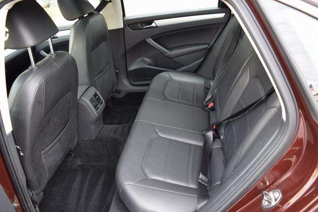 2013 Volkswagen Passat SE w/Sunroof Richmond Hill, New York 7