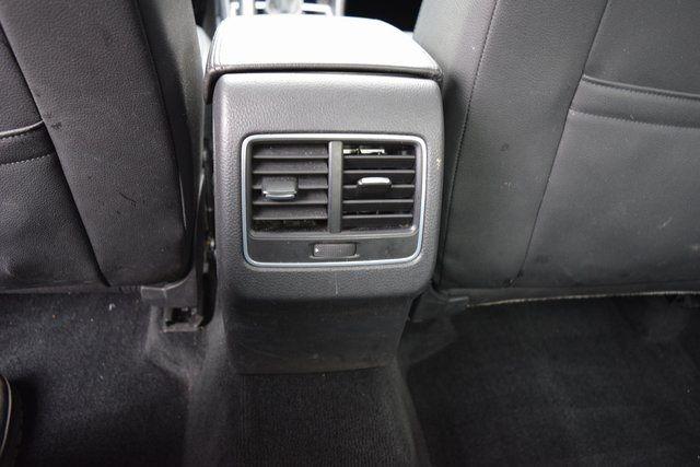 2013 Volkswagen Passat SE w/Sunroof Richmond Hill, New York 8