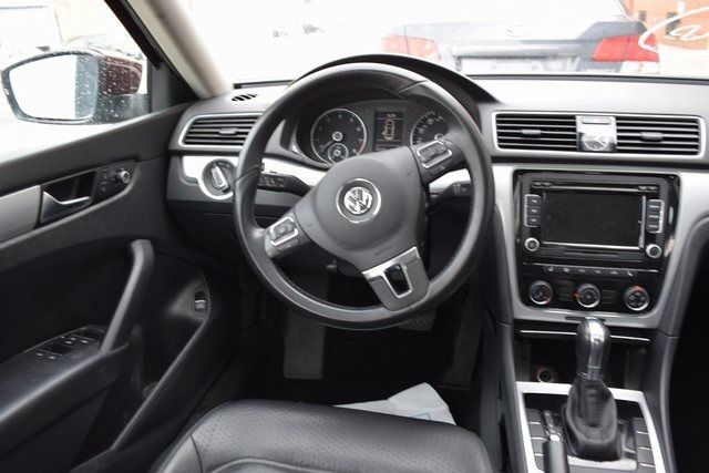 2013 Volkswagen Passat SE w/Sunroof Richmond Hill, New York 9