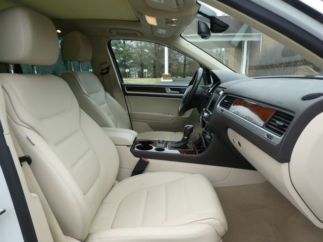 2013 Volkswagen Touareg Lux Leesburg, Virginia 10