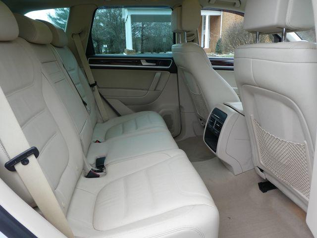 2013 Volkswagen Touareg Lux Leesburg, Virginia 11