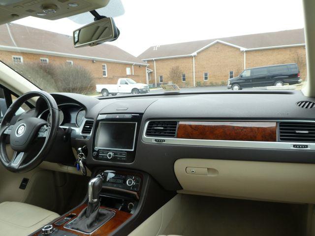 2013 Volkswagen Touareg Lux Leesburg, Virginia 12