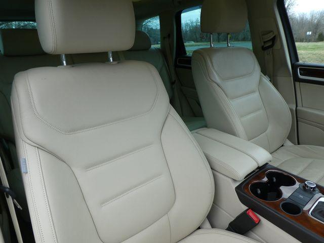 2013 Volkswagen Touareg Lux Leesburg, Virginia 8